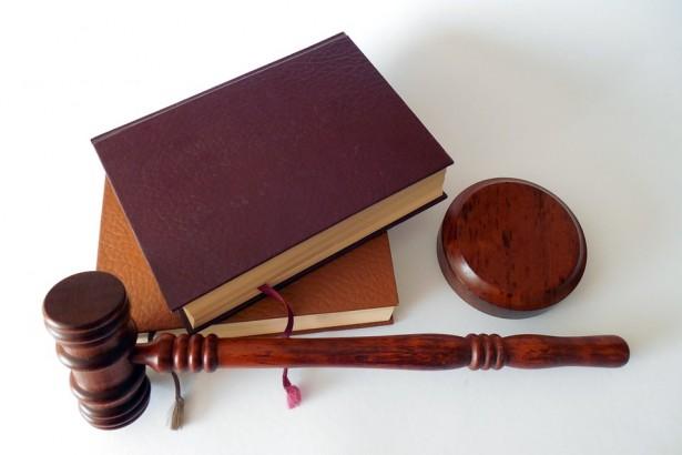 Profesi Yang Berkaitan dengan bidang Hukum