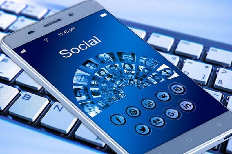 sudahkah-anda- beretika-di-media-sosial